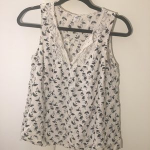 OLD NAVY flowy patterned top with lace detail